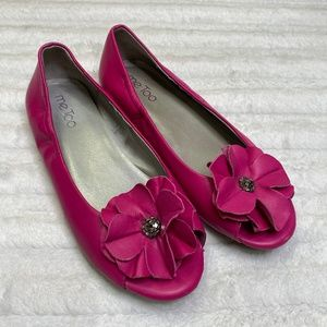 ME TOO Leigh Pink Leather Flower Slip On